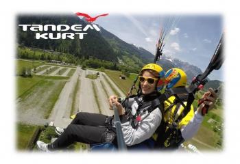 Tandemsprung beim Landeanflug in Schruns Montafon